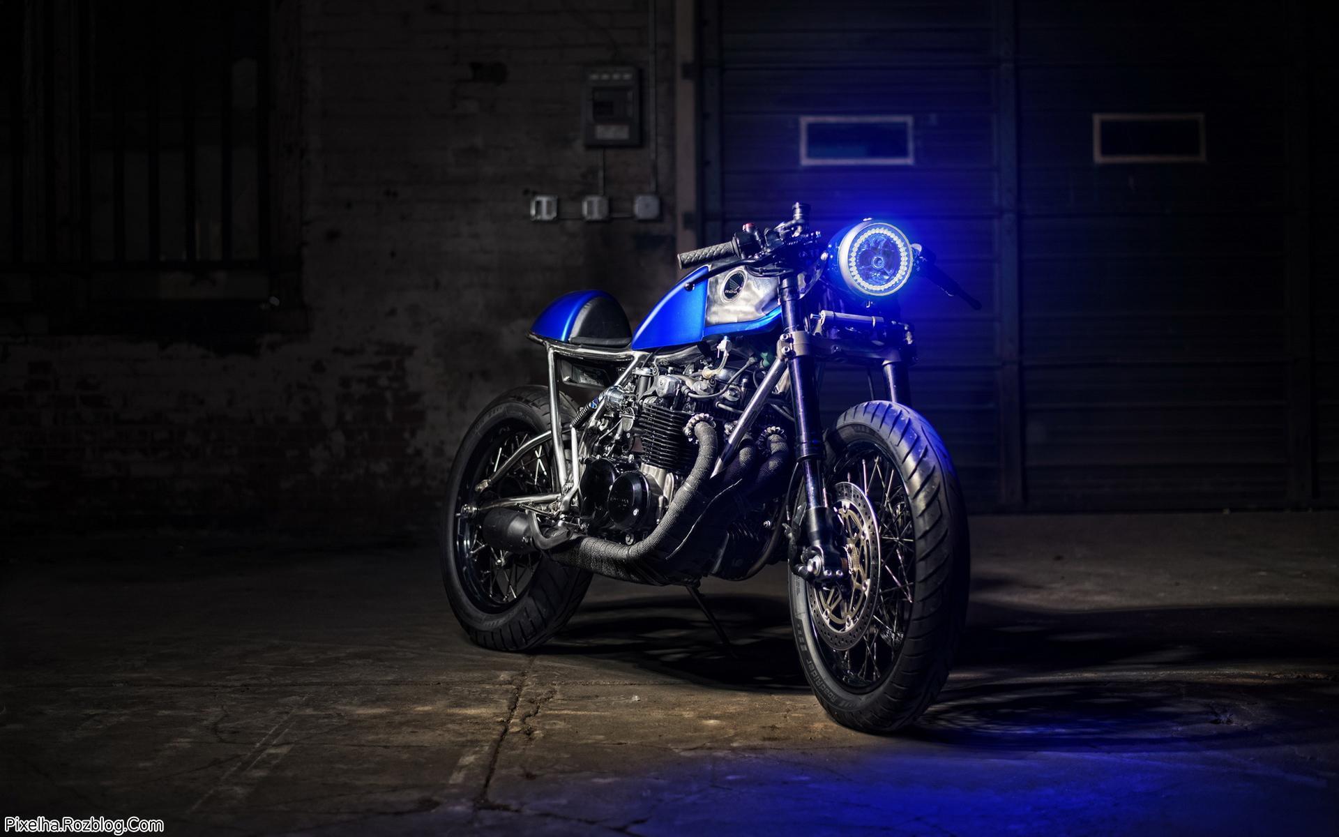 موتور honda آبی رنگ