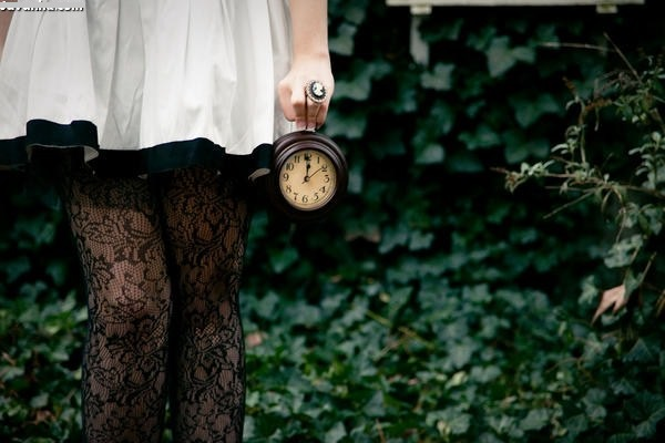 هر لحظه که بگذرت و هر قدر هم زمان بگذرت