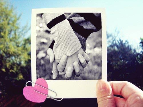 قهر میکنم تا دستم را محکمتر بگیری...