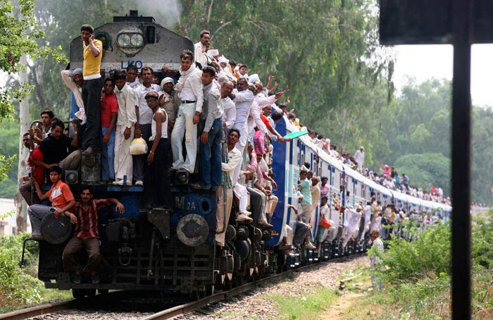 مسافران قطار در هند