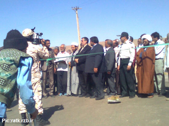 صاویری از افتتاحیه طرح هادی در روستای تاریخی رتک با حضور مسئولین کوهبنان