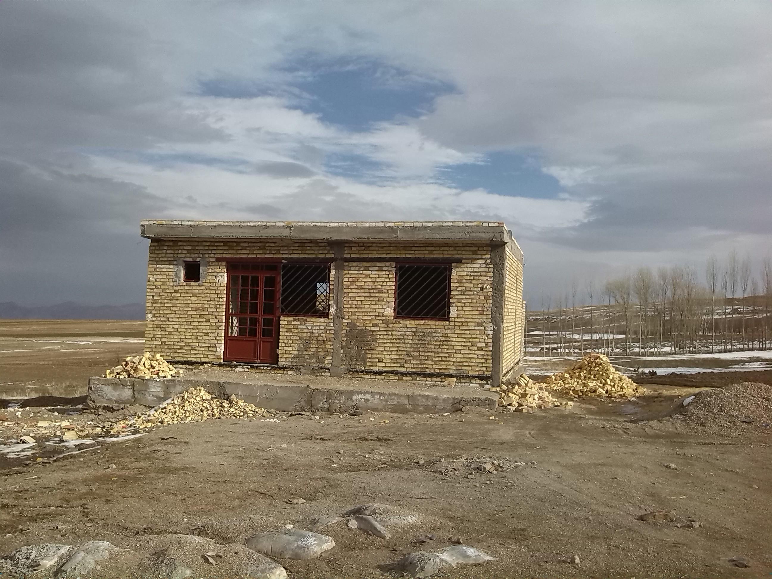 عکس از ساخت خانه بهداشت روستا