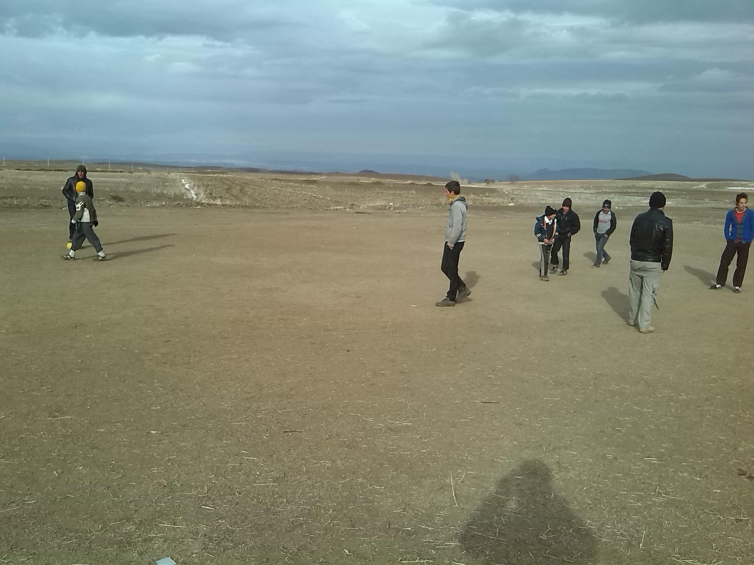 بازی فوتبال در روستا