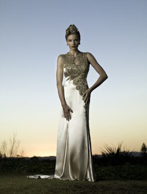 http://rozup.ir/up/rozfapic/Pictures/model/aros7/rozfapic-aroslebas-new-2013-Bridal%20Couture%20(2).jpg