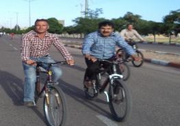 رقابت 200 پدر و پسر دوچرخه سوار در سرایان