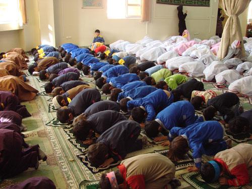 چرا خدا نماز را واجب كرده است؟