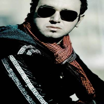 http://rozup.ir/up/tak3da-music/Pictures/Amin_Rostami_full-album.jpg