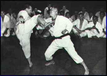 http://rozup.ir/up/vsdl/0/vsdl/Kyokushinkaikan/Mas_Oyama_kumite.jpg