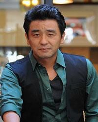 http://rozup.ir/up/vsdl/000000/00000/vsdl/Ryu-Seung-Ryong_VSDL.jpg