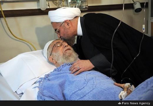 عیادت رئیس جمهور از رهبر انقلاب