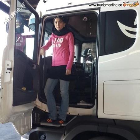 دختر جوانی که راننده تریلی اسکانیاست + عکس