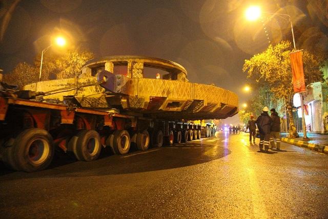 انتقال دستگاه حفار خط 2 قطارشهری به میدان فردوسی