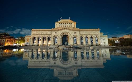 http://rozup.ir/view/1075005/armenia_yerevan_building_reflection_in_water_hayk_barseghyans-wallpaper-1440x900.jpg