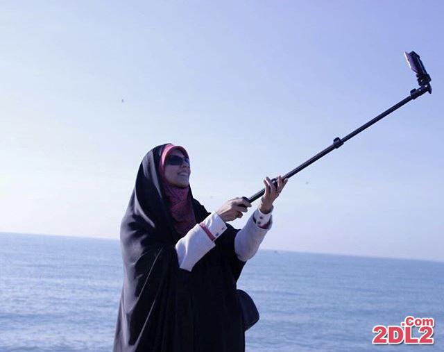 عکس سلفی مژده لواسانی کنار دریا