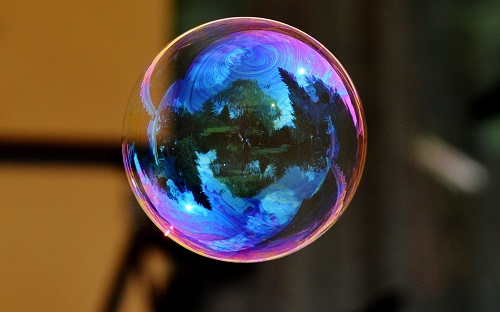 http://rozup.ir/view/1086690/soap_bubble_colorful_bowl_reflection_106344_1440x900.jpg