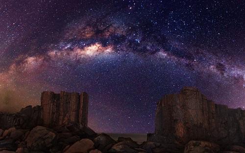 http://rozup.ir/view/1091072/Galaxy_Milky_Way_Stars_Desert_Night_Rocks_Stones_1440x900.jpg