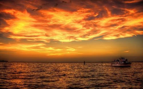 http://rozup.ir/view/1091080/sunset__sea__ship_ocean_sky_clouds_boat_1440x900.jpg