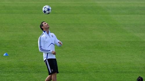 http://rozup.ir/view/1091233/real_madrid_ronaldo_soccer_75536_1920x1080.jpg