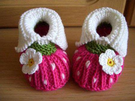 مدل خوشگل و جدید جوراب و کفش بافتنی کودک10