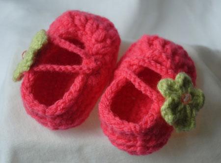 مدل خوشگل و جدید جوراب و کفش بافتنی کودک2