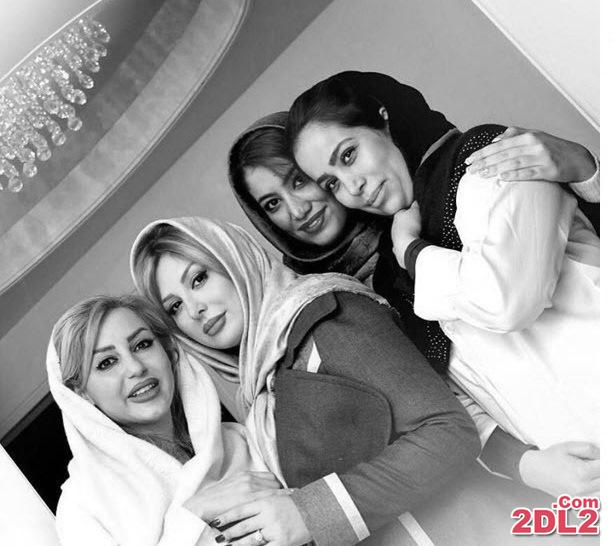 عکسی از  نیوشا ضیغمی با تیم پزشکی کلینیک زیبایی اش