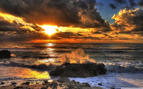http://rozup.ir/view/1133078/beach_at_sunset_3-wallpaper-1440x900.jpg