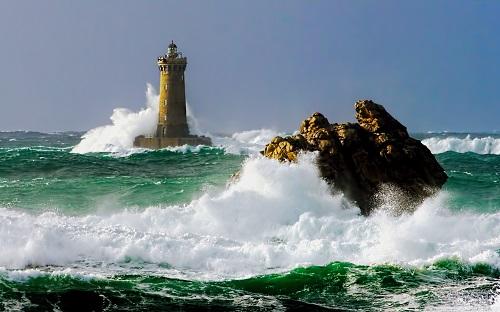 http://rozup.ir/view/1133097/lighthouse_5-wallpaper-1440x900.jpg