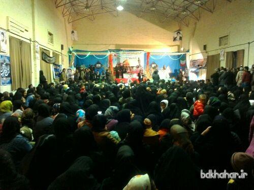 وداع مردم شهر خومه زار با شهید مدافع حرم مهرداد قاجاری