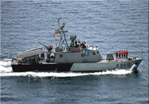 آتش سنگین تکاوران نداجا در سواحل مکران/ عملیات رزمی قایقهای تندروی ارتش
