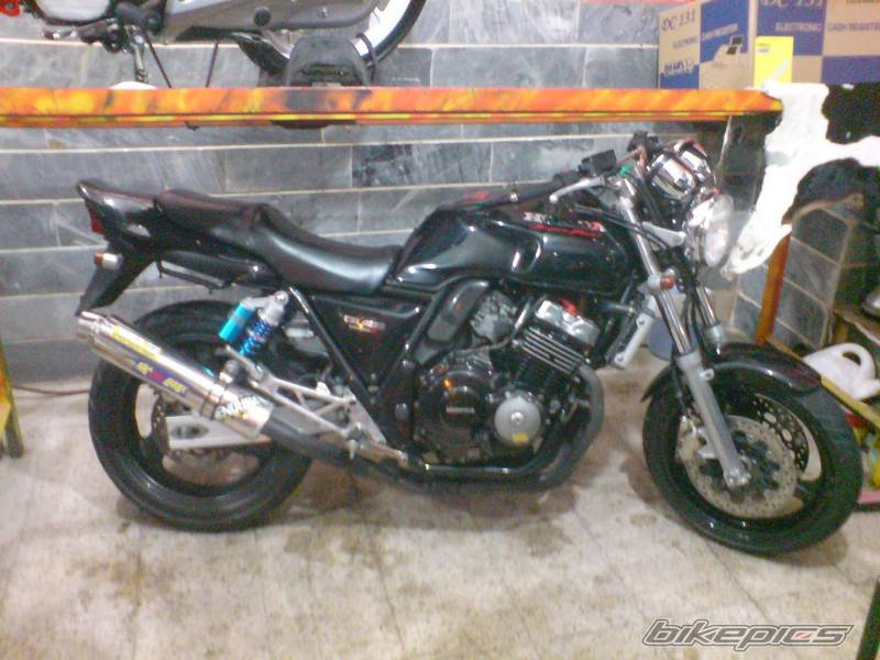 موتور سنگین   [1]   Honda CB 400