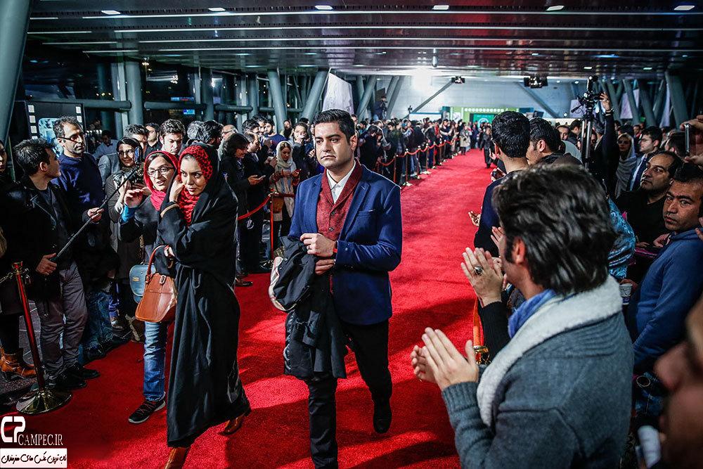 عکسهای آزاده نامداری با همسرش روی فرش قرمز جشنواره فیلم فجر
