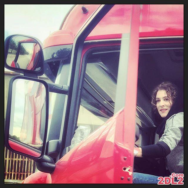 عکس منتشر شده از ویشکا آسایش سوار بر کامیون