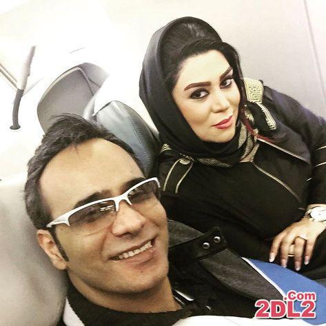 عکس سلفی تازه منتشر شده از شهرام شکوهی در کنار همسرش در هواپیما