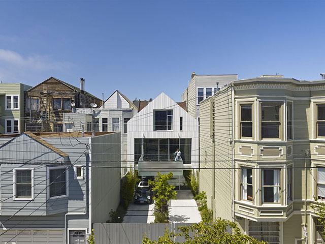 یک خانه با دو نمای متفاوت در سان فرانسیسکو