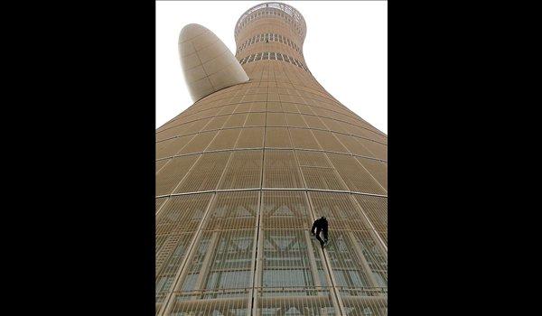 عکس هایی از تازهترین صعود هولناک مرد عنکبوتی
