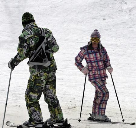 زنان پلیس به پیست های اسکی تهران