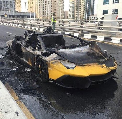 آتش گرفتن لامبورگینی در دبی! + عکس