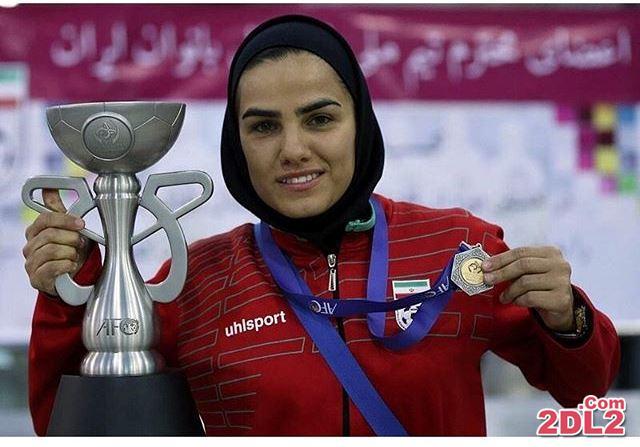 تبریک مهناز افشار به نامزد جایزه بهترین بازیکن فوتسال زنان + عکس