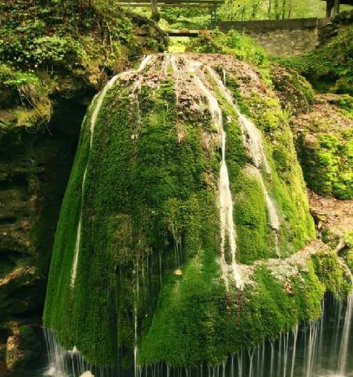 ۱۰ آبشار زیبای اروپا در سال ۲۰۱۵
