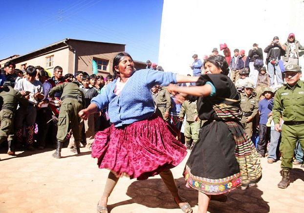 فستیوال کتک کاری در بولیوی