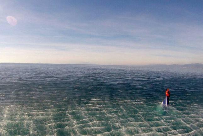 تصاویر نجات دراماتیک تنها بازمانده قایق مرگ