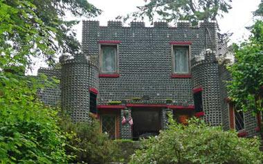 خانه ای با طراحی عجیب در کانادا