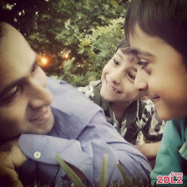 عکس منتشر شده از مجری معروف در کنار فرزندانش