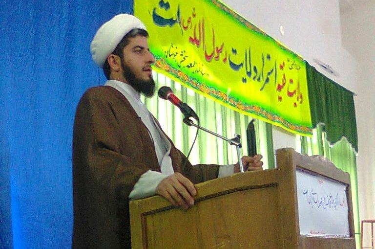 امام جمعه تیتکانلو : پیروی از اندیشه امام ما را بر دشمن غالب می کند