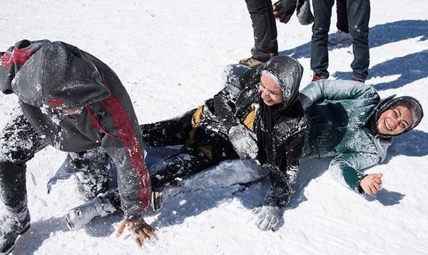 تفریحات زمستانی در دامنه کوه زاگرس + تصاویر