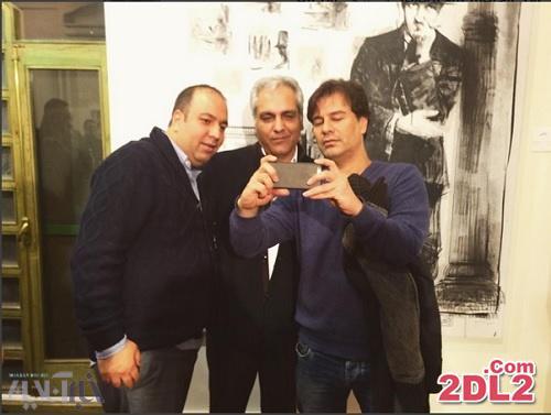 عکس سلفی بازیگر معروف در نمایشگاه بزرگمهر حسینپور و رضا یزدانی