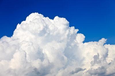 با افزایش ارتفاع ابرها، بخش قابل توجهی از نور خورشید از سطح آنها منعکس می شود
