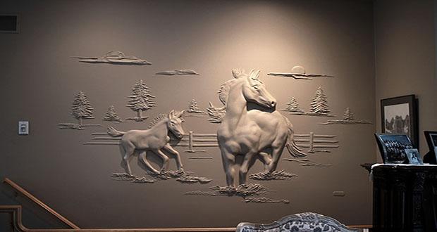 خلق مجسمههای ۳بعدی روی دیوار توسط گچکار کانادایی