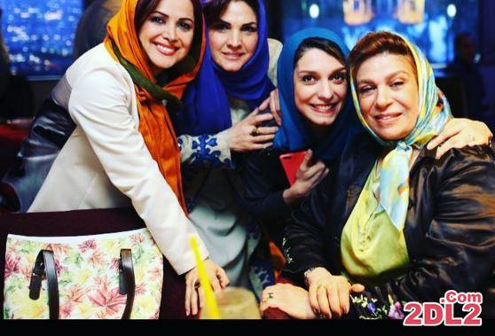 عکس جدید منتشر شده از کمند امیر سلیمانی در کنار دوستانش