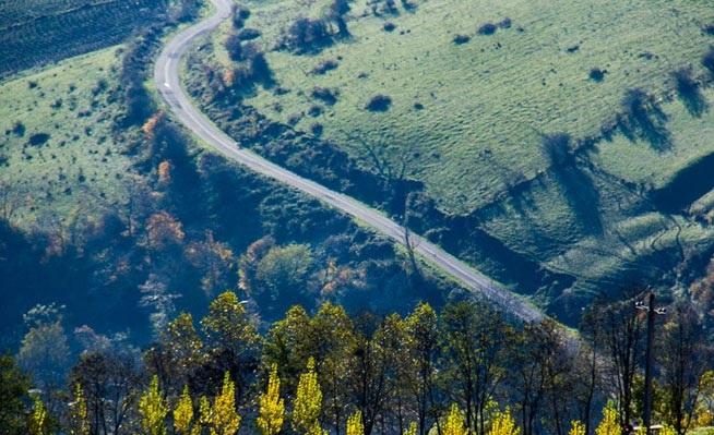 طبیعت شگفت انگیز پاییزی گردنه حیران